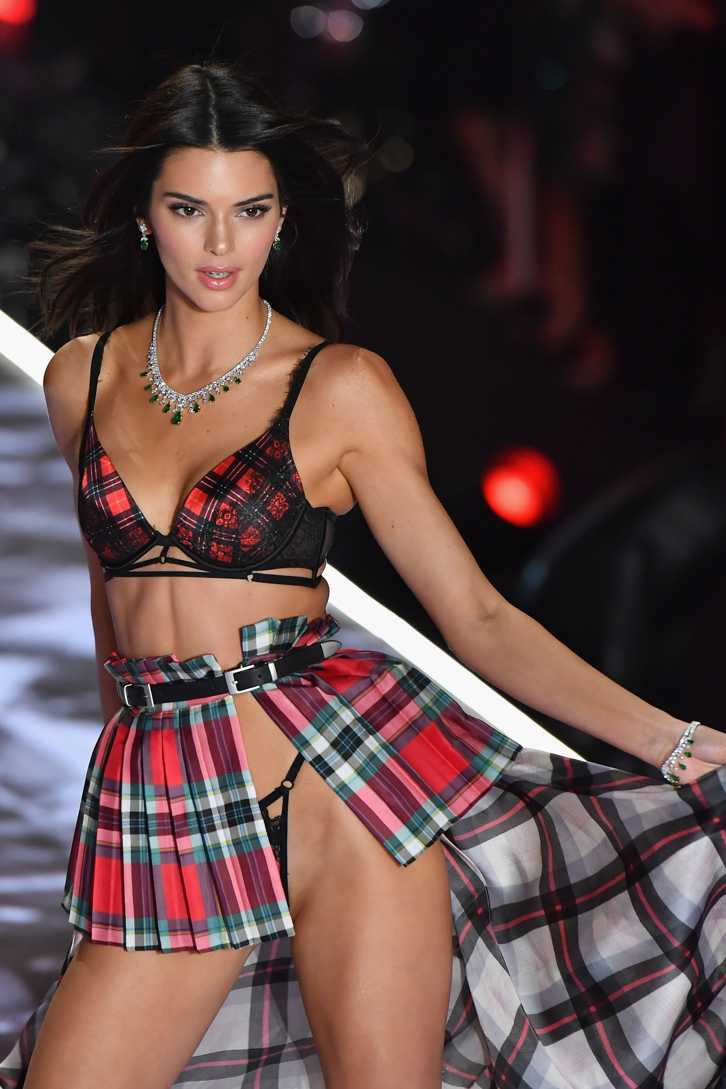 b04d5a1753 Kendall Jenner Rocks Sexy Scottish-Inspired Look at Victoria s Secret  Fashion Show  Pics!