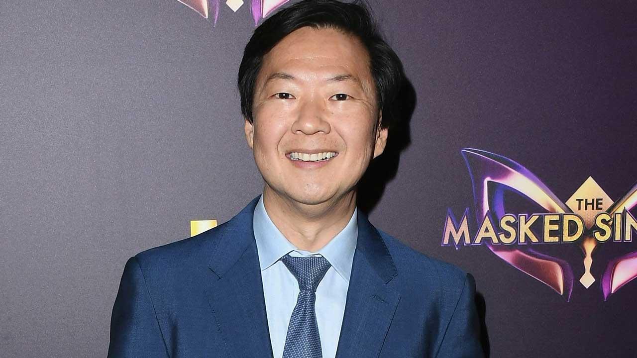 2019 Teen Choice Awards: Ken Jeong Jokingly Calls Out Jake Paul and Tana Mongeau's 'Pretend' Marriage