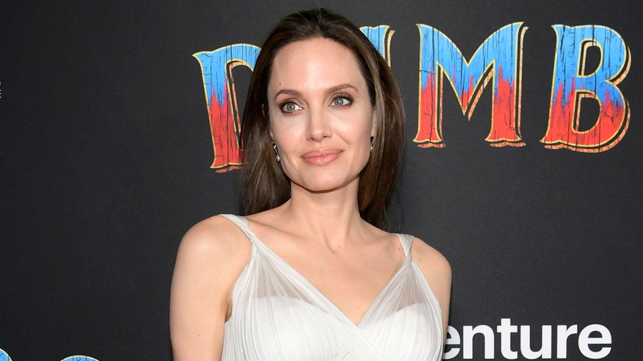 73b1be7e1 Angelina Jolie Looks Angelic in Flowing Gown at  Dumbo  Premiere ...