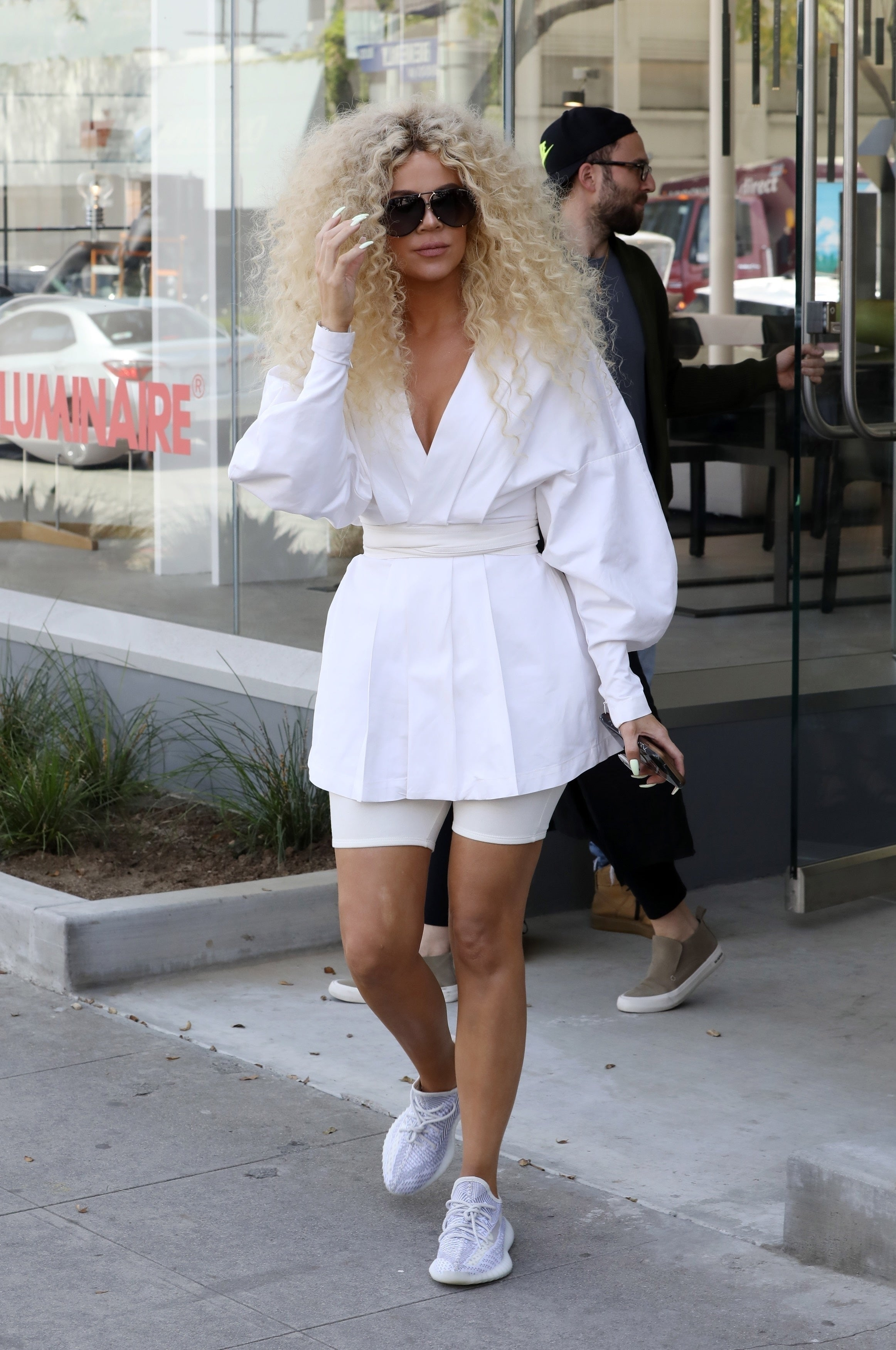 4084eab8c Khloe Kardashian Is Still Wearing Her Big Curly Wig a Day After Diana Ross   Birthday Party