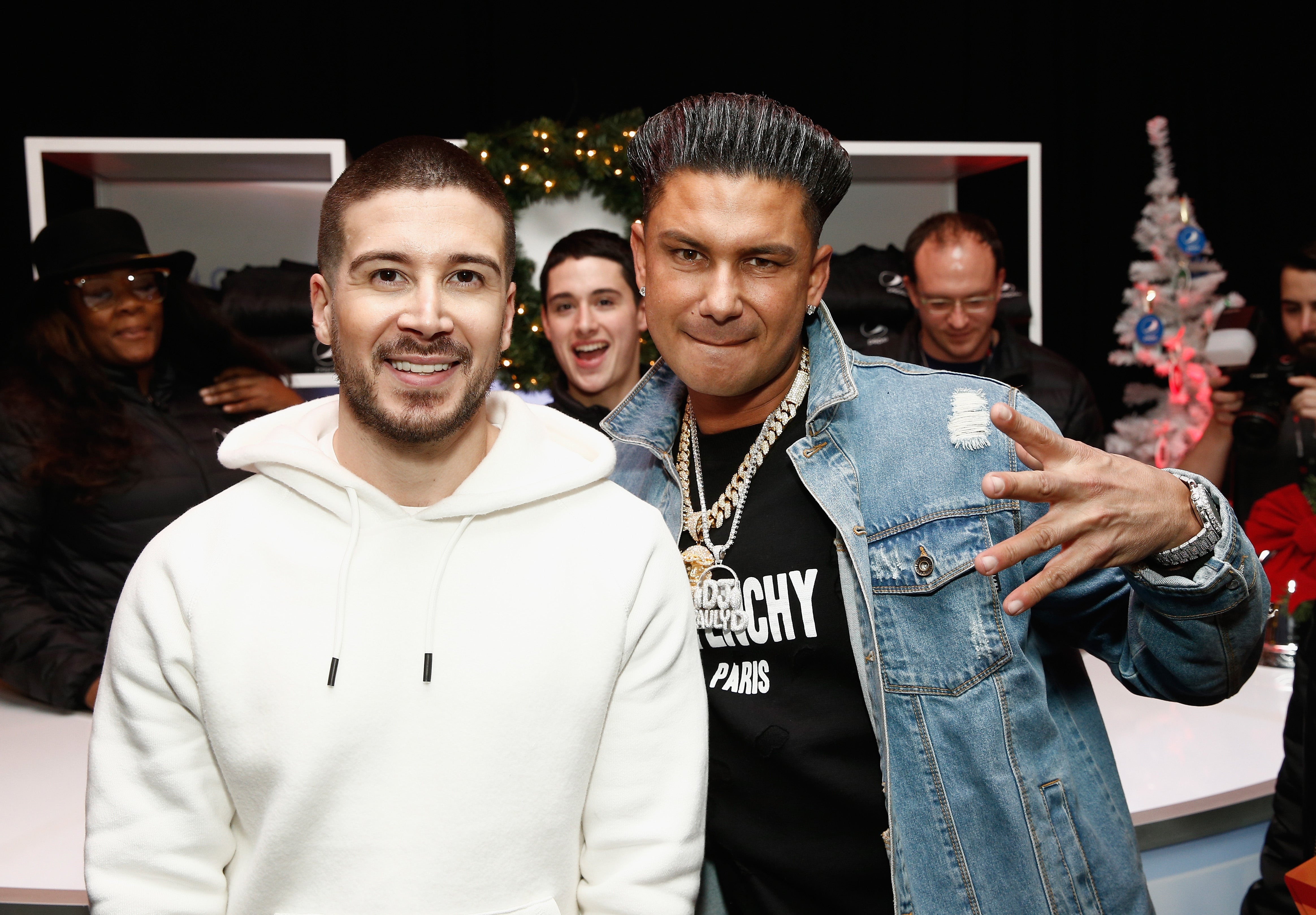 50295ac5a160  Jersey Shore  Stars Pauly D and Vinny Guadagnino Will Hand Out Roses on   Double Shot at Love  -- Watch!
