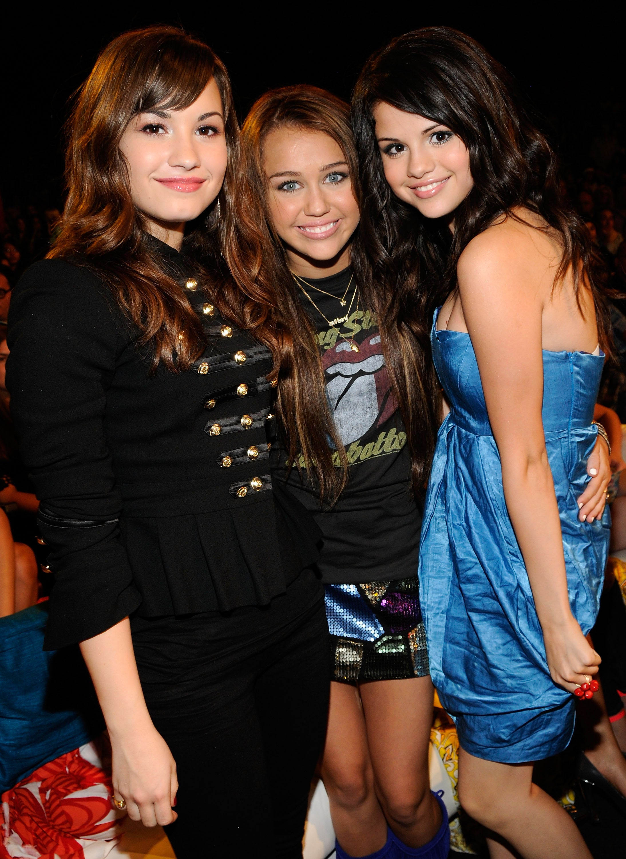 Demi Lovato And Selena Gomez And Miley Cyrus And Taylor Swift Best Friends