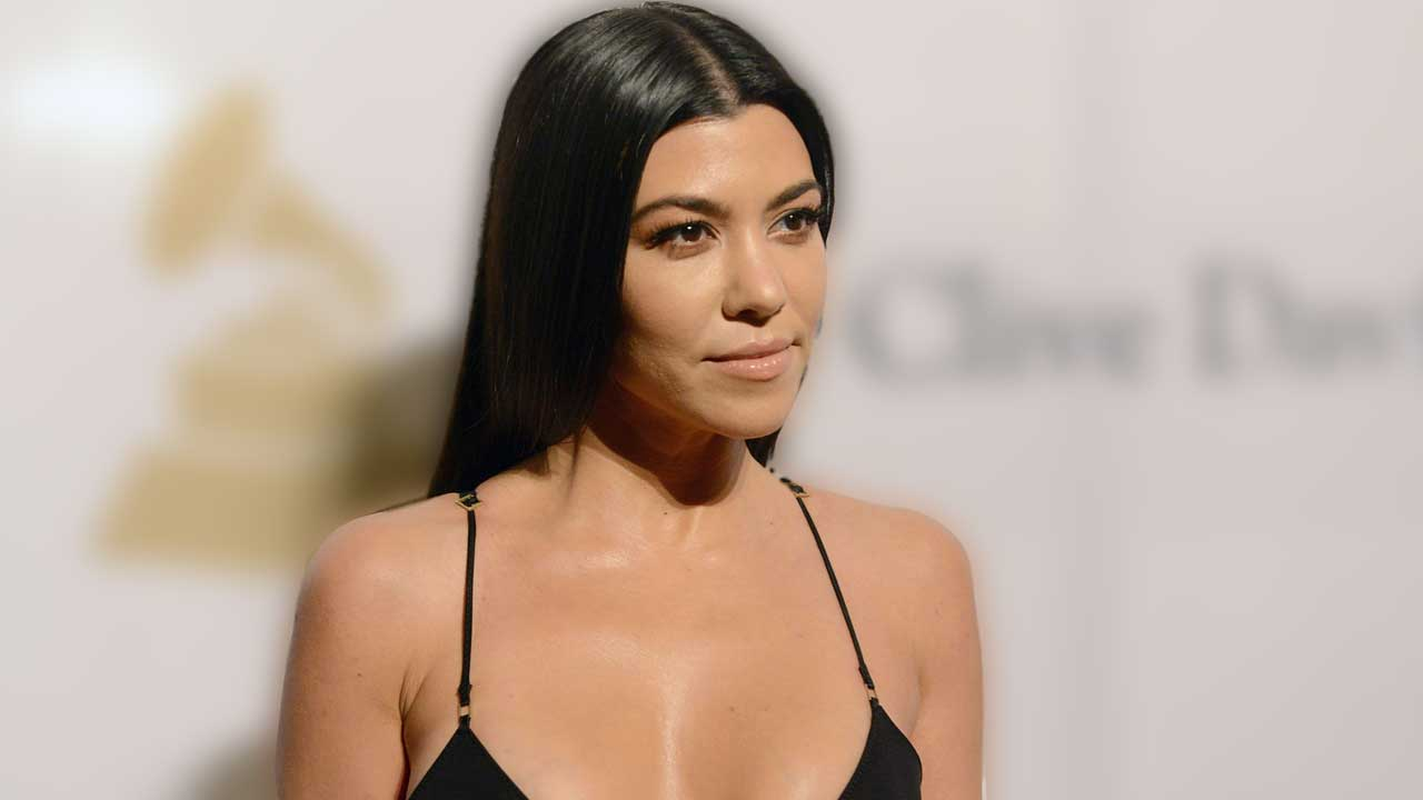 a3ae7e0c3d977 Kourtney Kardashian Celebrates 40th Birthday With  Most Interesting to Look  At  Napkins   Bootylicious Cake