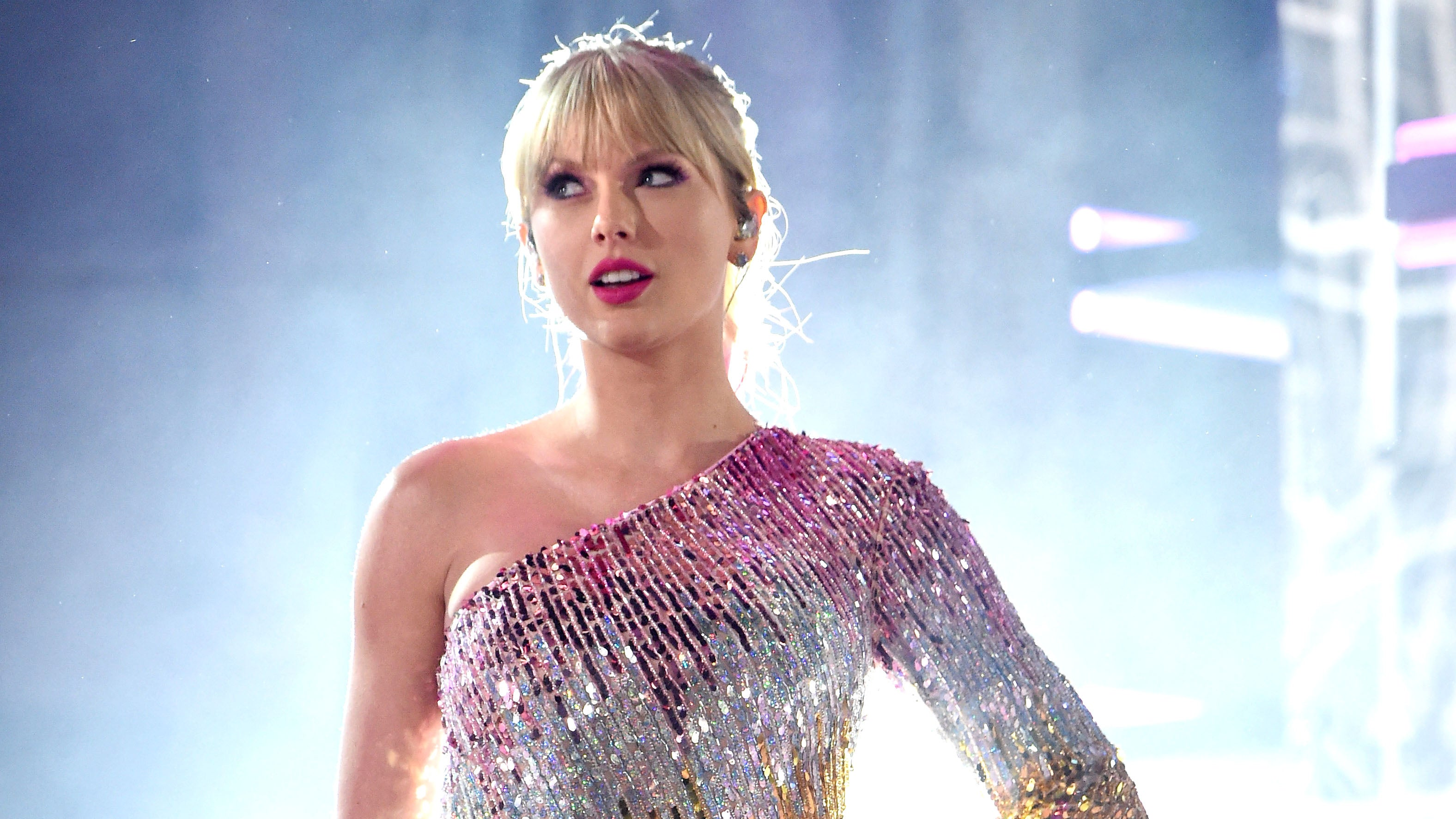 Taylor Swift Shuts Down Interview Question About Settling Down And Having Kids Entertainment Tonight