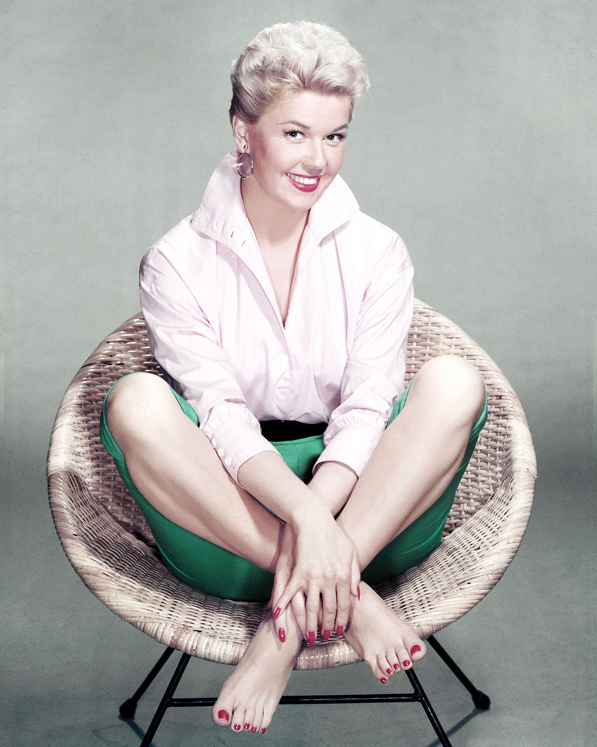 Doris Day, Hollywood Actress and Singer, Dead at 97