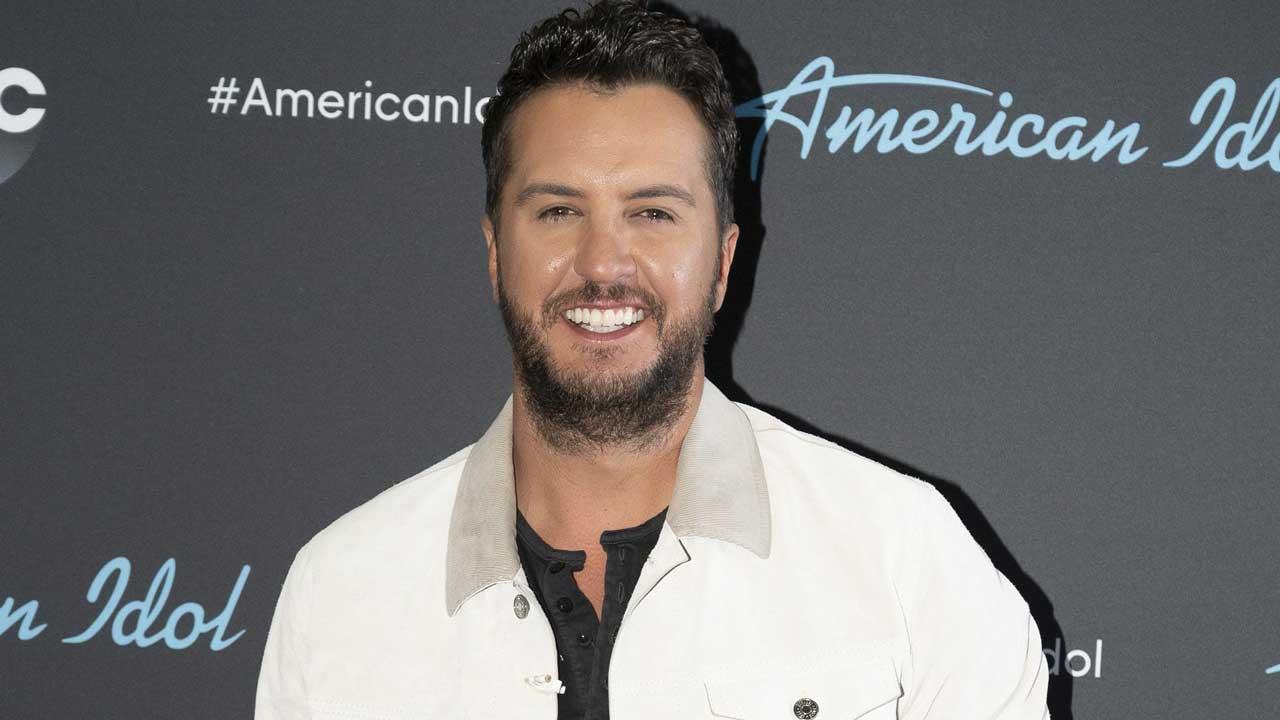 Luke Bryan backstage at 'American Idol'