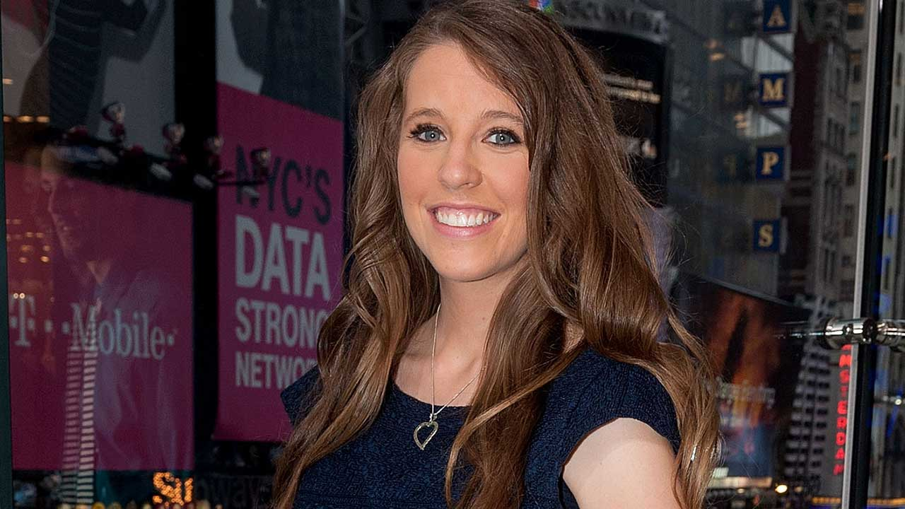 Jill Duggar Says She Wasn't 'Recommending' the Kama Sutra After Fans Criticize Her for Posting About the Book