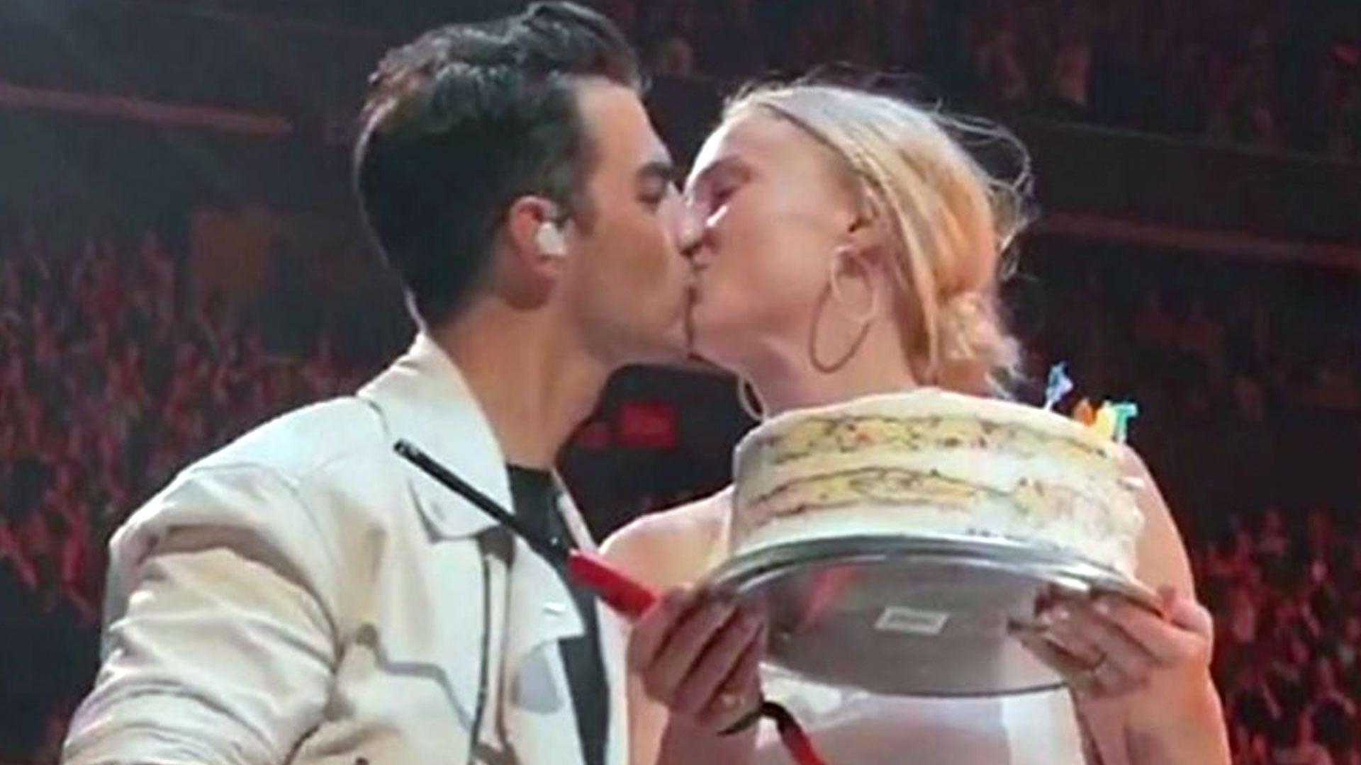 Sophie Turner Joins Jonas Brothers Onstage to Celebrate Joe's 30th Birthday: Watch