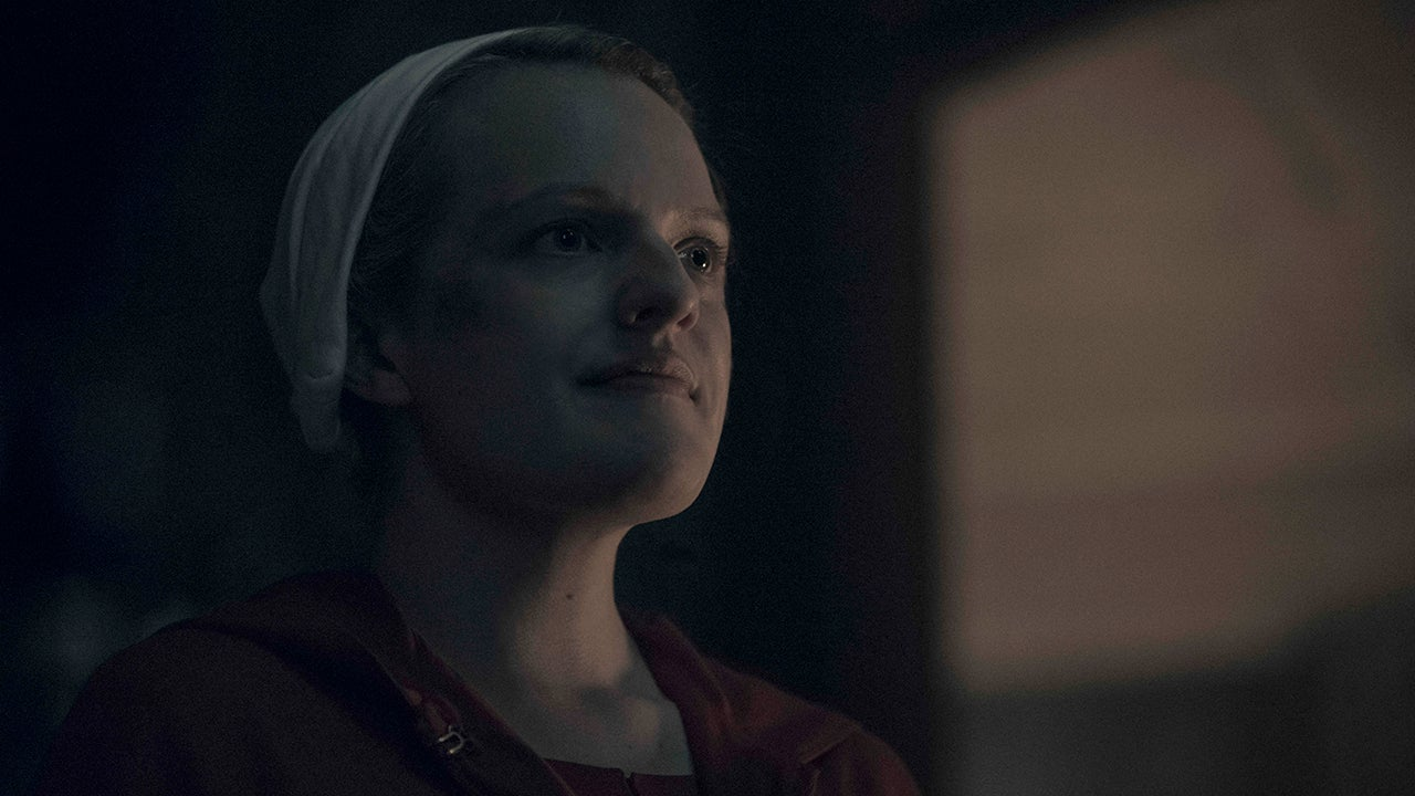 The Handmaid's Tale': Elisabeth Moss, Cast React to That