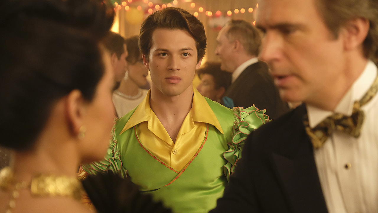 'Why Women Kill' Star Leo Howard on Graduating From Disney to Making Out With Lucy Liu (Exclusive)