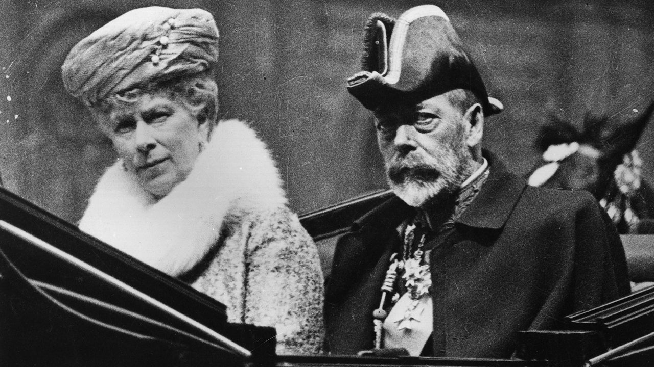 'Downton Abbey': King George V, Queen Mary and the Real-Life Royal Visit That Inspired the Film