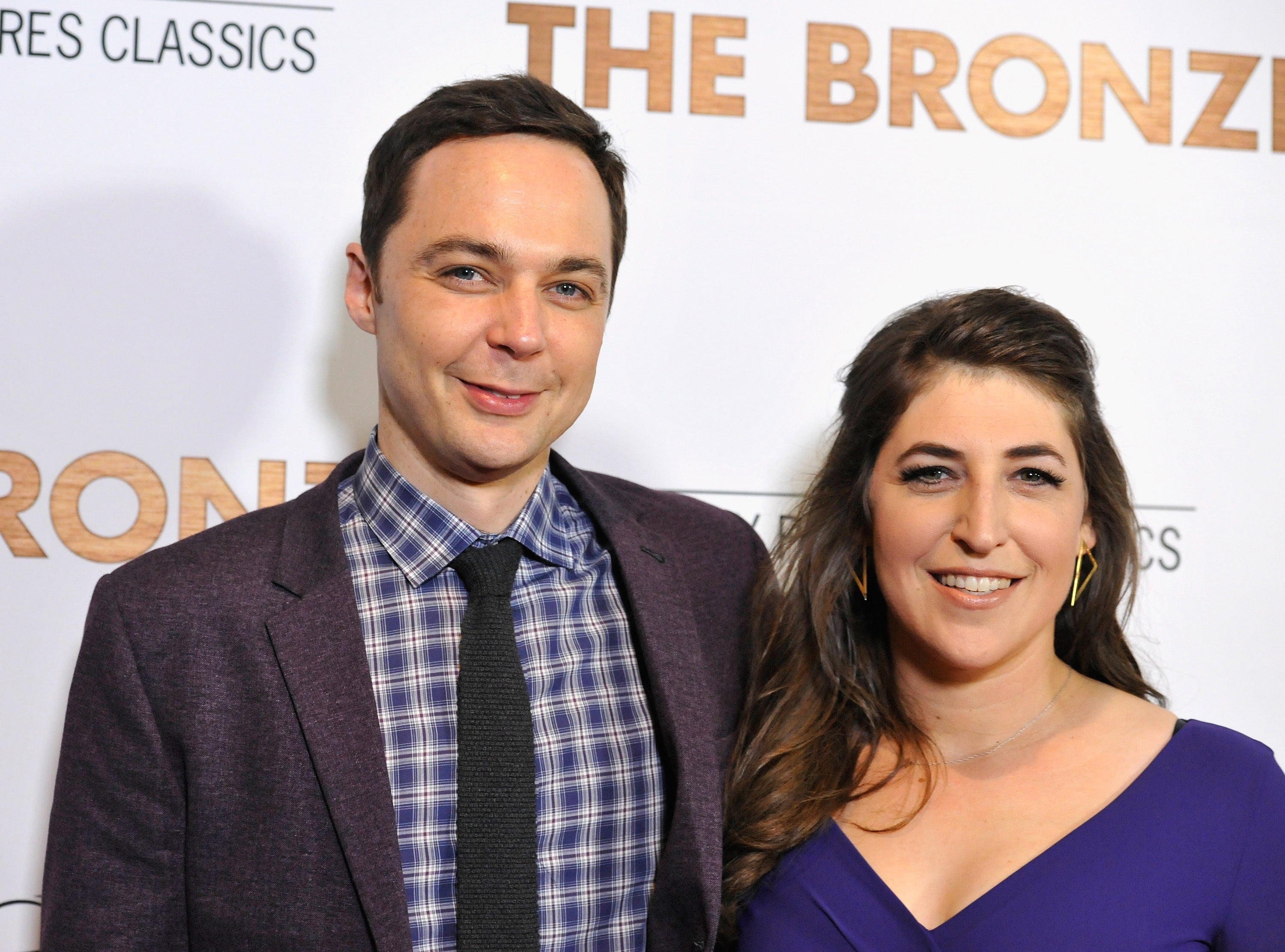 'Big Bang Theory' Co-Stars Jim Parsons and Mayim Bialik Reunite for Her New Show: Details!