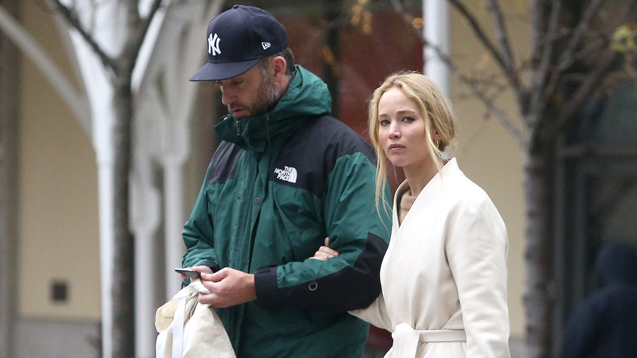 Jennifer Lawrence and Cooke Maroney Step Out in NYC Together One Month After Wedding: Pic!