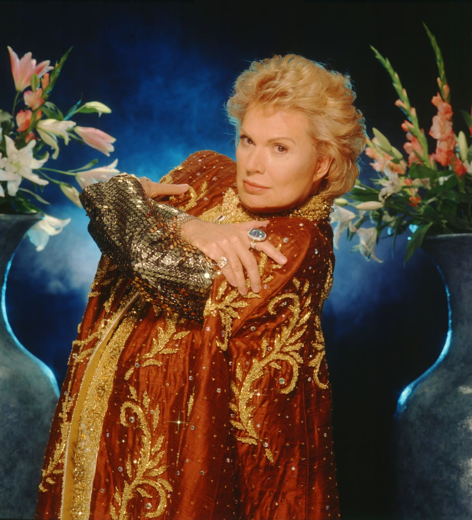 Walter Mercado Laid to Rest in Puerto Rico