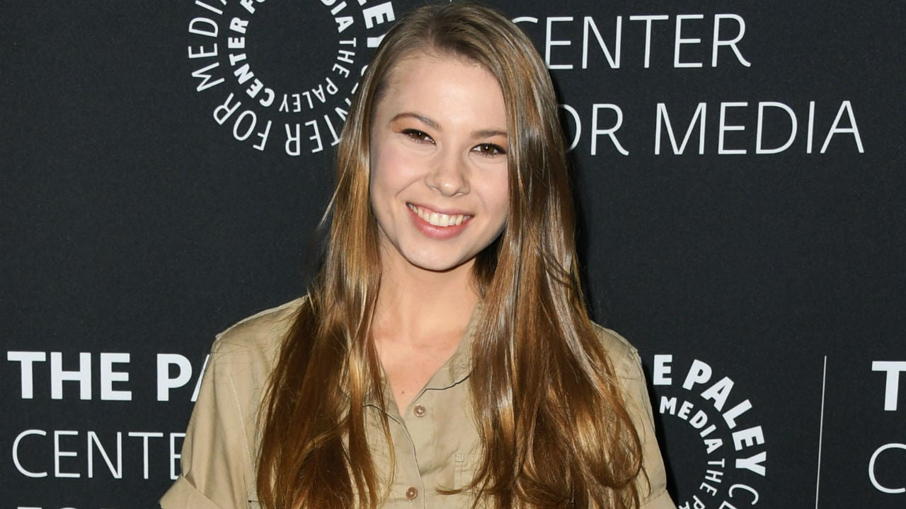 Bindi Irwin Says 'I Wish Dad Was Here' in Emotional Post Amid Australia Wildfire Crisis
