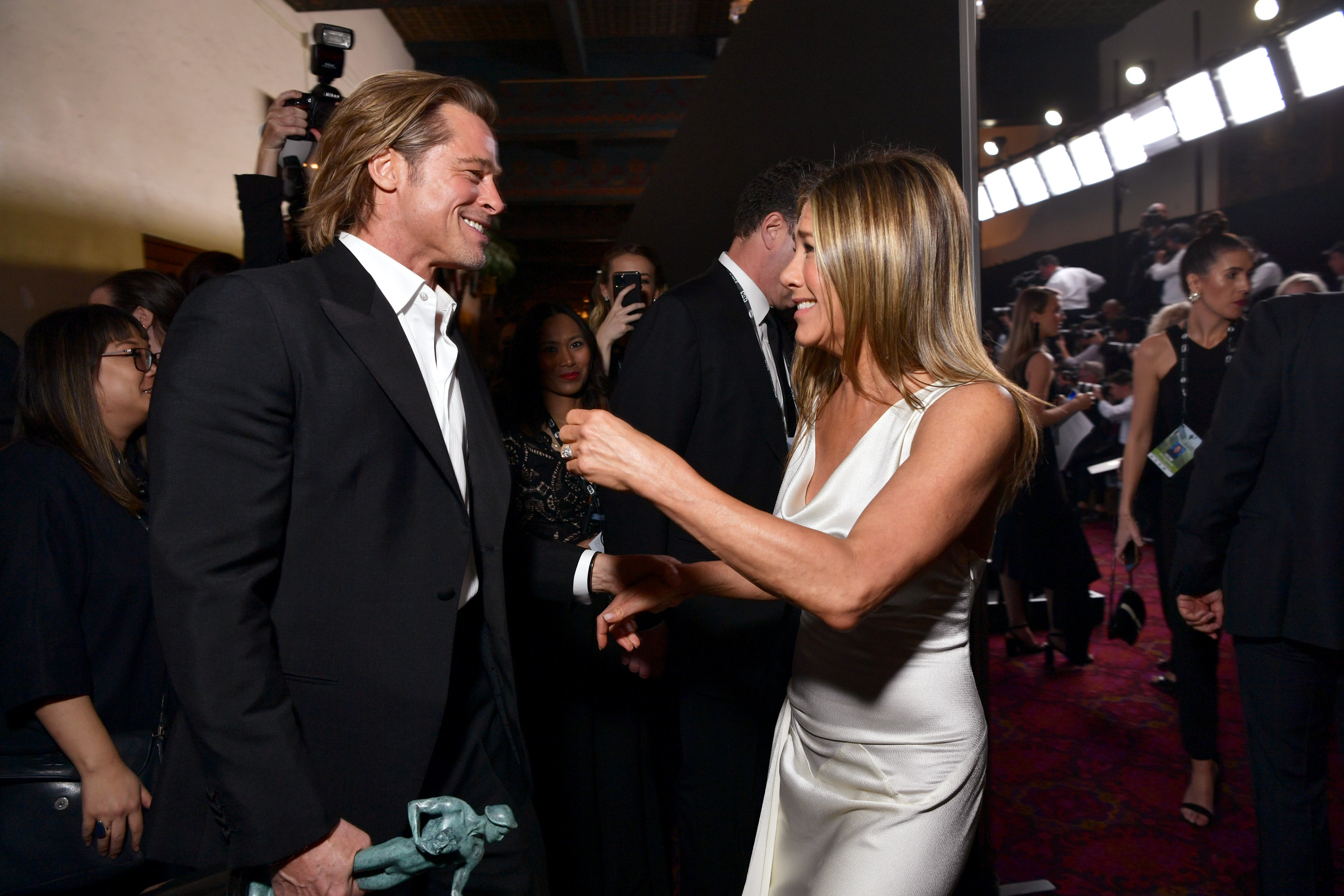 How Brad Pitt And Jennifer Aniston S Relationship Has Evolved Since Their 2005 Divorce Entertainment Tonight