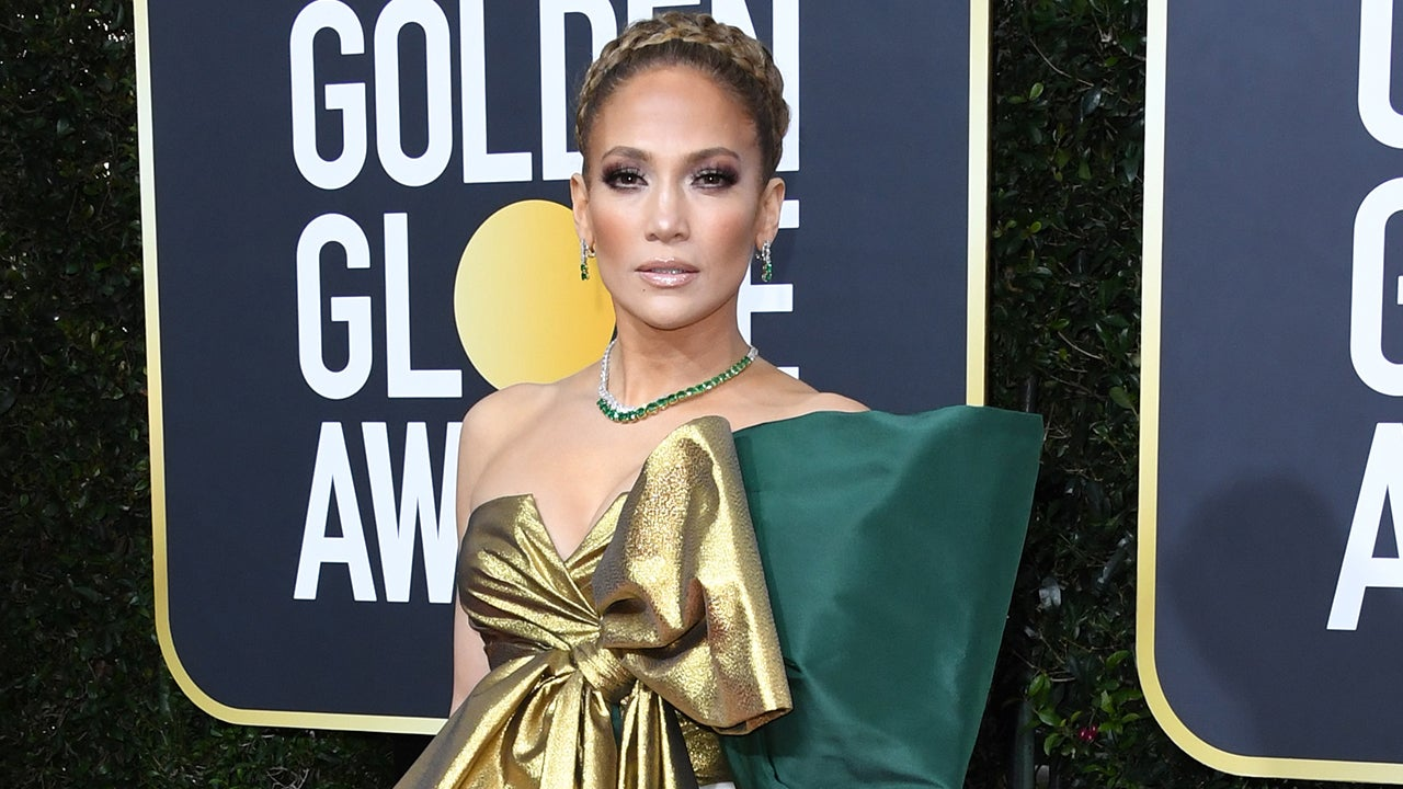Jennifer Lopez Stuns In Dramatic Green And Gold Bow Gown At 2020 Golden Globes Entertainment Tonight