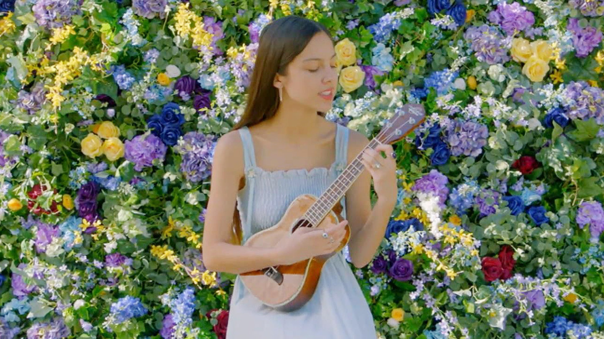 'HSMTMTS' Star Olivia Rodrigo Performs 'All I Want' on Ukulele for Disney Channel Summer Sing-Along (Exclusive)