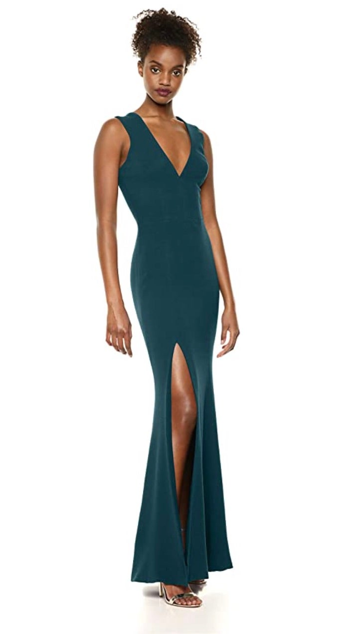 Dress the Population Women's Sandra Plunging Thick Strap Solid Gown
