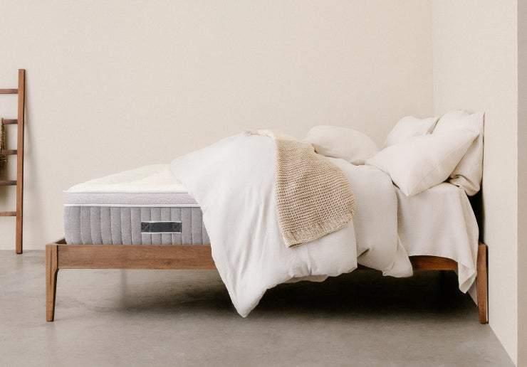 Awara Sleep Organic Luxury Hybrid Mattress with Natural Foam & New Zealand Wool