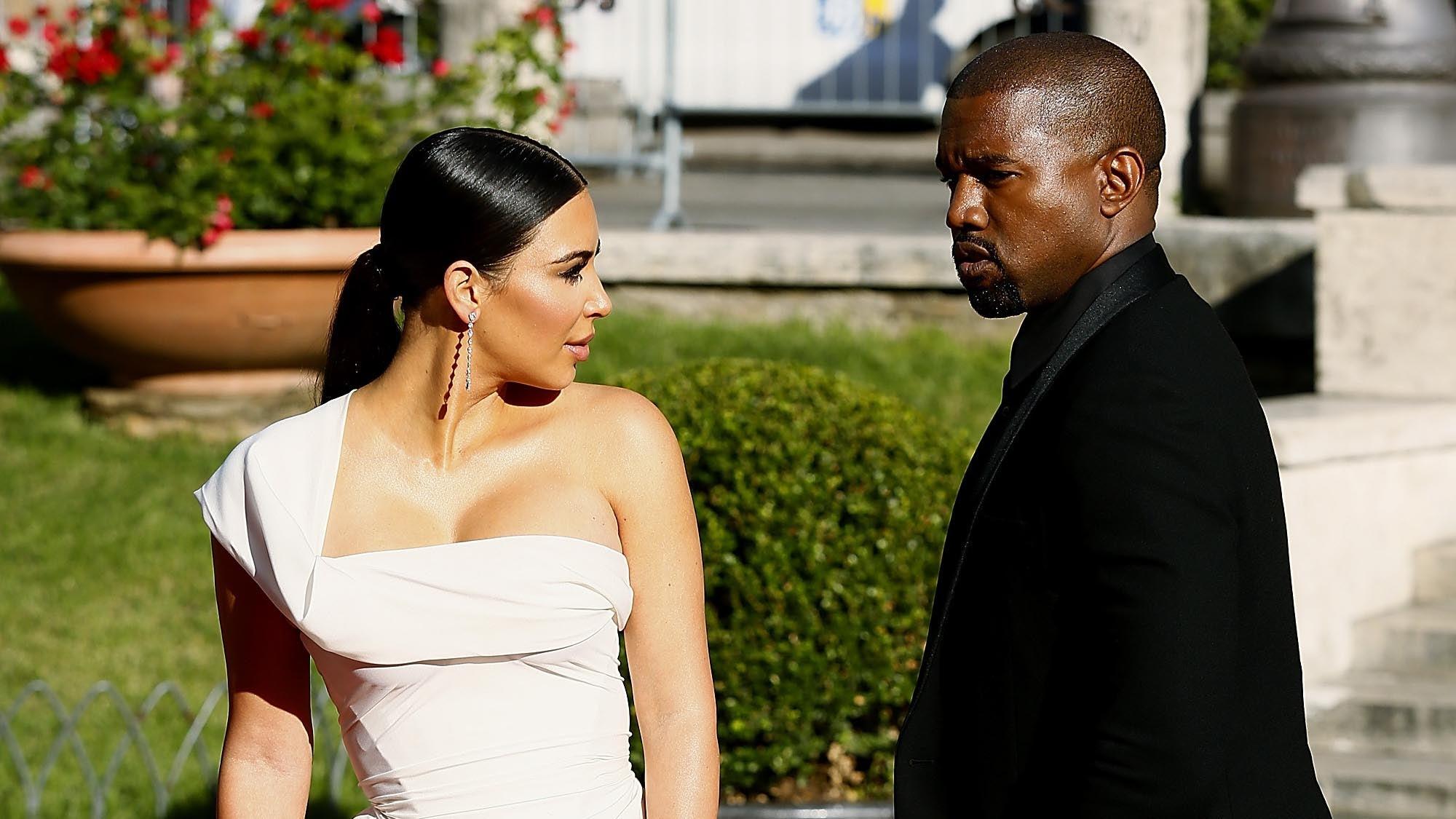 Kim Kardashian And Kanye West Split A Look Back At Their Wedding Day Entertainment Tonight