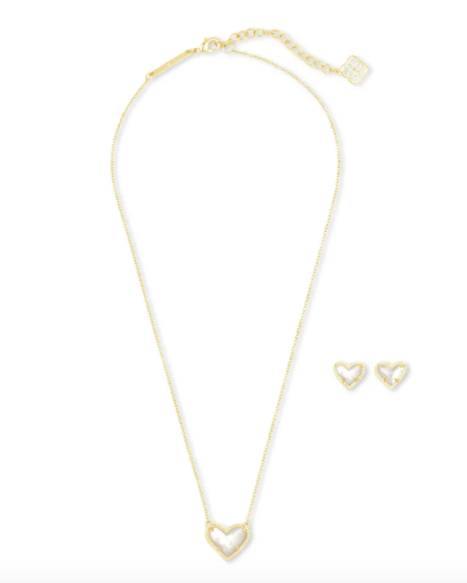 Kendra Scott Ari Heart Necklace & Earrings Gift Set In Ivory Mother-Of-Pearl