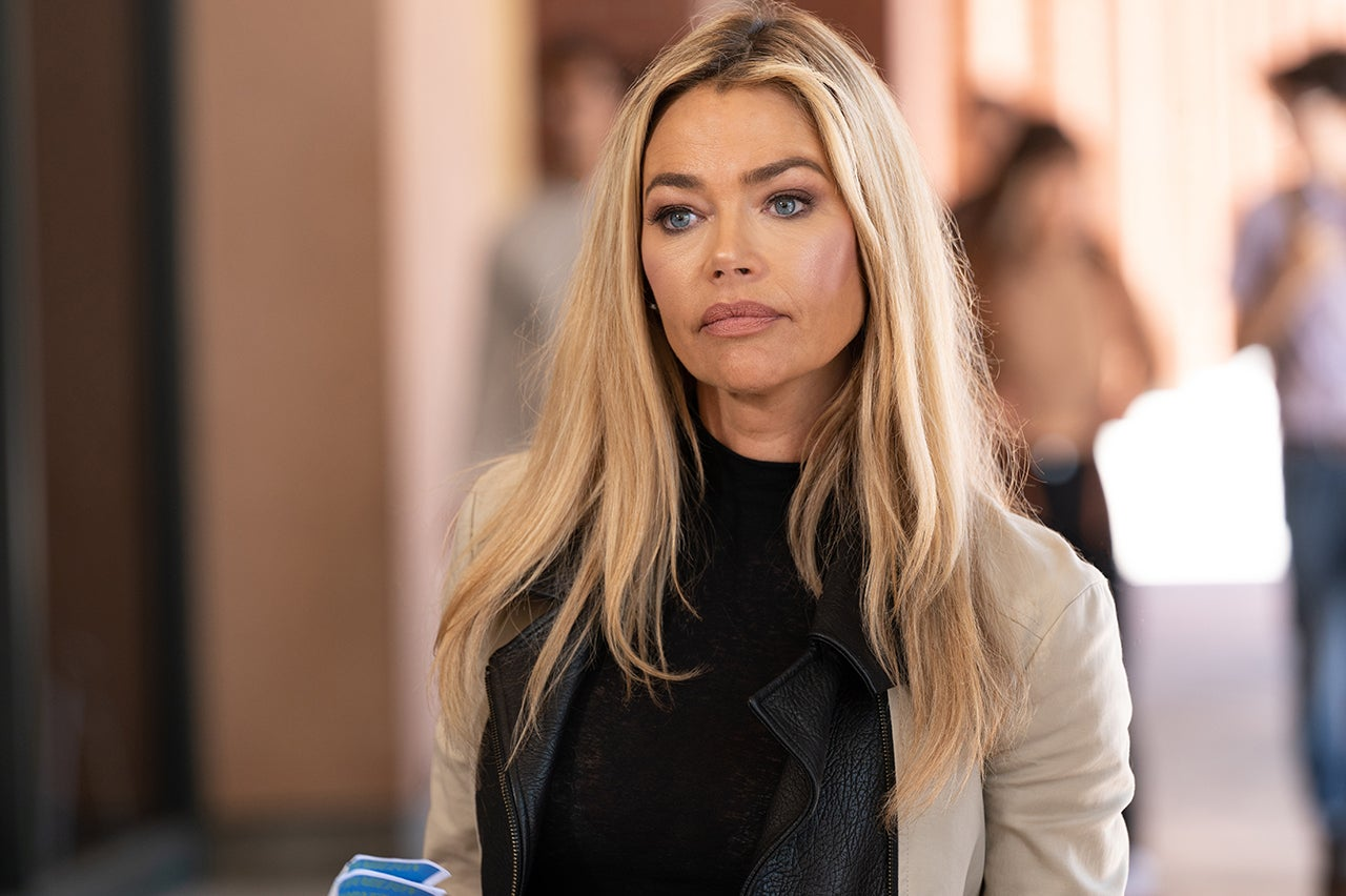 """Denise Richards Makes her Way in Lifetime's """"Killer Cheer Mom"""", Talks About her Role"""