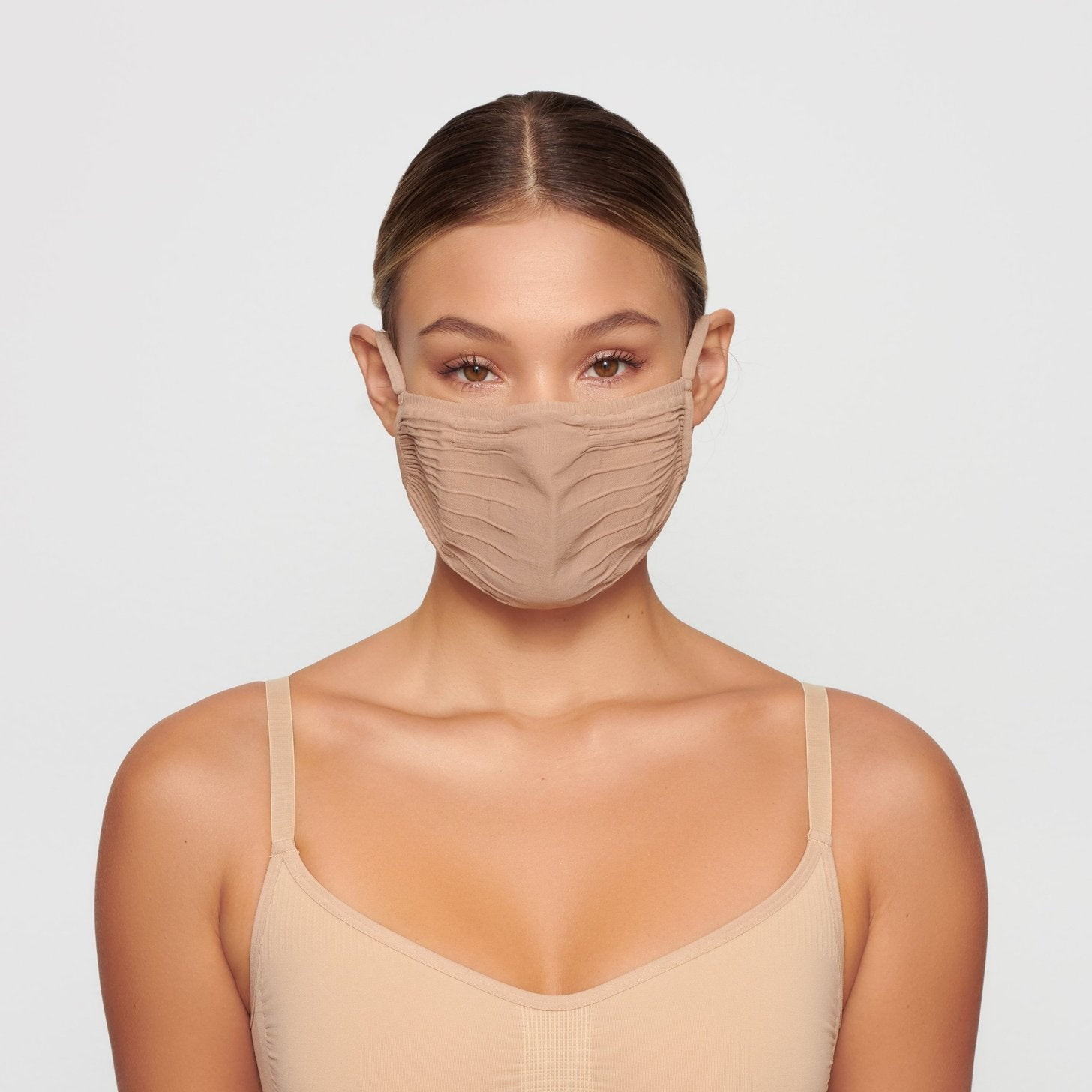 SKIMS seamless face mask in clay