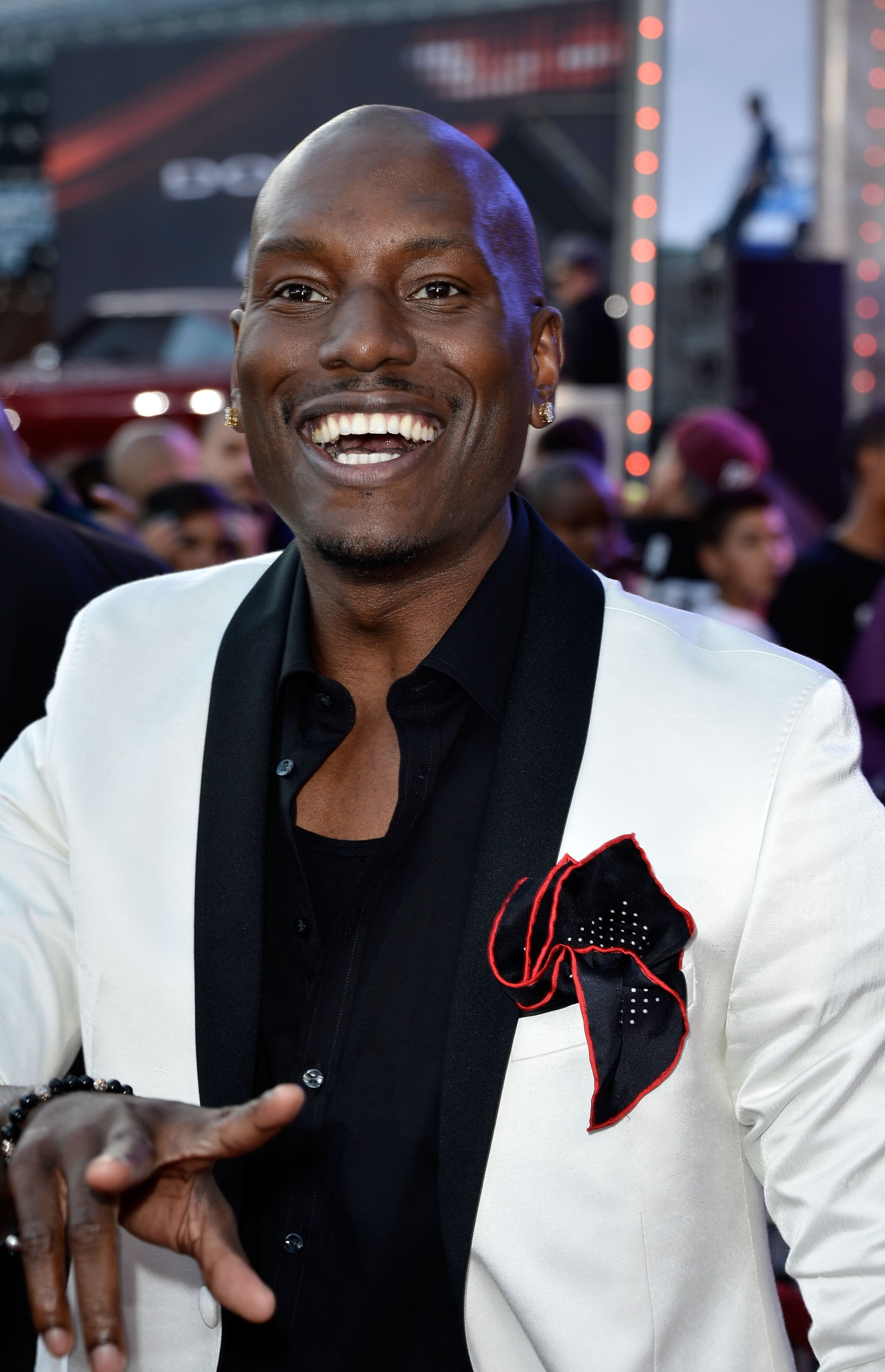 tyrese gibson slams fast and furious spinoff the real