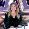 Kelly Clarkson Jokes She Could 'Get Used to this Chair' on 'AGT' While Filling in for Simon Cowell