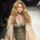 Gigi Hadid loses shoe at NYFW