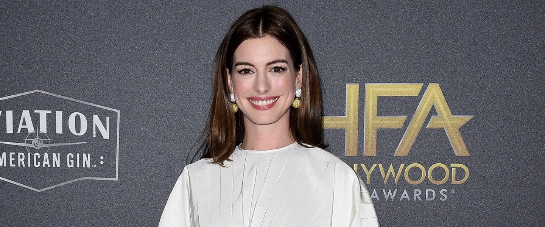 Anne Hathaway 1280