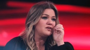 'The Voice': Kelly Clarkson Gets Emotional Over Contestant's Performance of Her Song