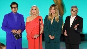 'Schitt's Creek' Cast Reunites at 2021 Emmys After Last Year's Historic Wins