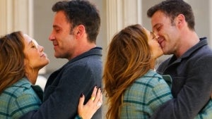 Jennifer Lopez and Ben Affleck Pack on the PDA in New York City