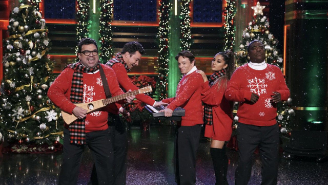 ariana grande with SNL alums for Christmas song