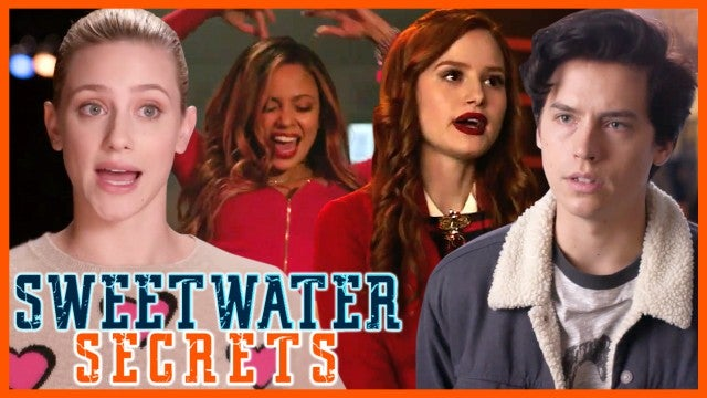 Now that you've watched the 'Heathers' musical episode, only ET has the on-set secrets the straight from the 'Riverdale' stars!
