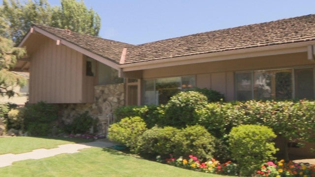 Inside the Making of the 'Brady Bunch' House (Exclusive)