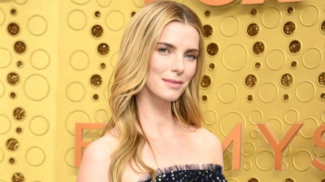 2019 Emmys: 'GLOW' Star Betty Gilpin Sparkles on the Red Carpet