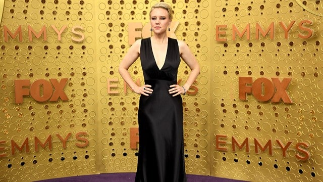 2019 Emmys: Kate McKinnon Is Striking in Plunging Silk Number