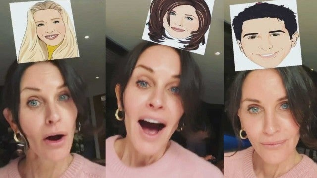Watch Courteney Cox Test the 'Friends' Instagram Filter