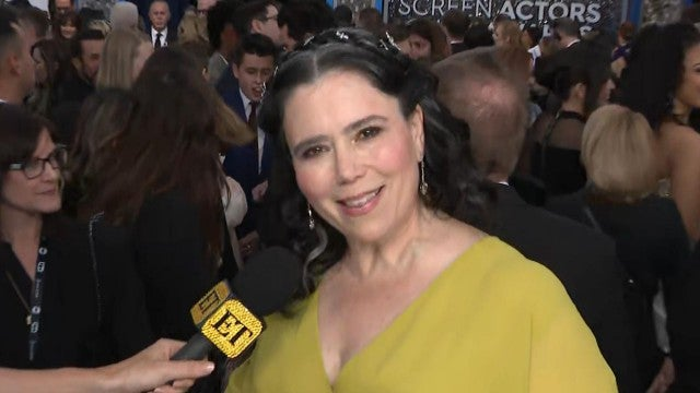 SAG Awards 2020: 'Maisel's Alex Borstein Jokes She's Going to Kill Off Rachel Brosnahan in Season 4