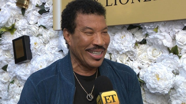 Lionel Richie on Giving Daughters Sofia and Nicole Love Advice (Exclusive)