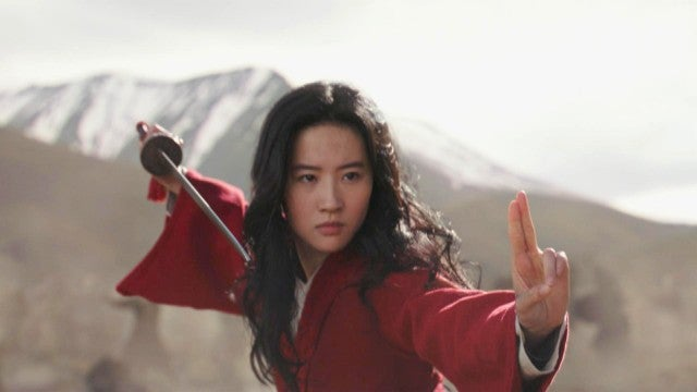 Sword Fighting With 'Mulan's Yifei Liu | ET Hollywood How-To