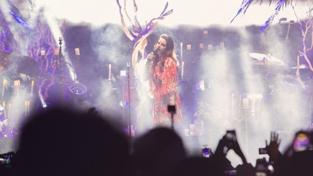 8 Things That Only Happen at a Lana Del Rey Concert