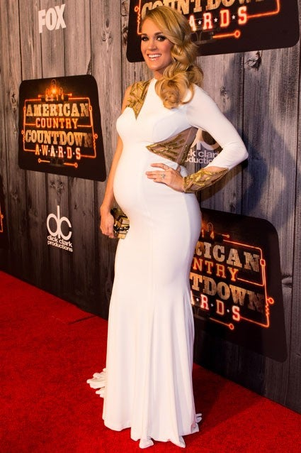 Hot Mama Carrie Underwood Shows Off Her Baby Bump In Skin