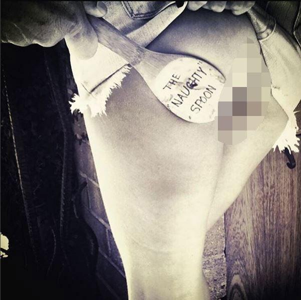 Girls nude butt