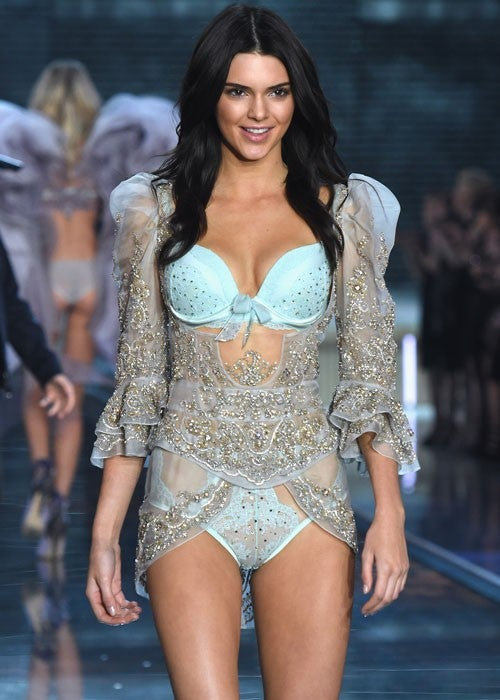 4e875fca710ee Kendall Jenner and Gigi Hadid Heat Up the Runway in Victoria s ...