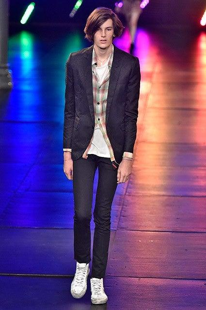 Pierce Brosnan S Model Son Dylan Is A Total Rock Star In