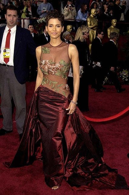 The Best Oscar Dresses Of All Time Revisit Halle Berry